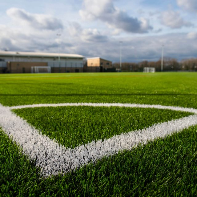 SIS Pitches, manufacturing, green yarn, synthetic turf, artificial pitch