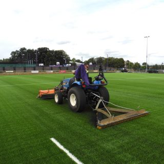 Brushing, artificial turf, synthetic pitch, sis pitches