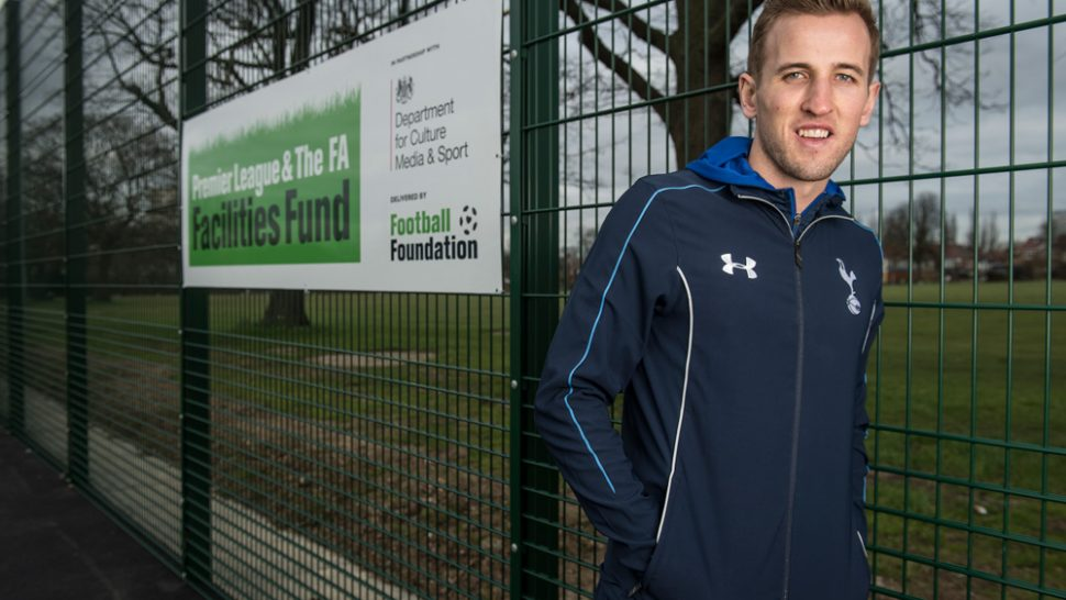Spurs hotshot, SIS Pitches, synthetic turf, artificial pitch,Harry Kane